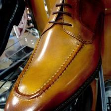 リーズナブルな本革茶靴