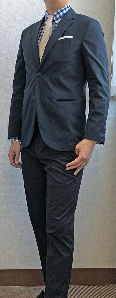 スーツっぽさが抜けない例2