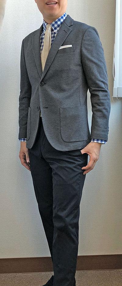 スーツっぽさが抜けない例3