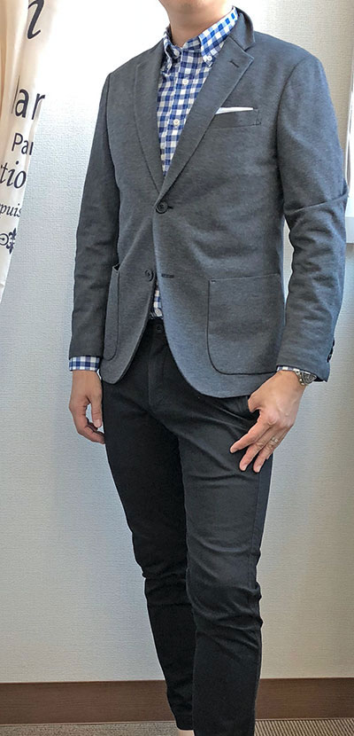 スーツっぽさが抜けない例4